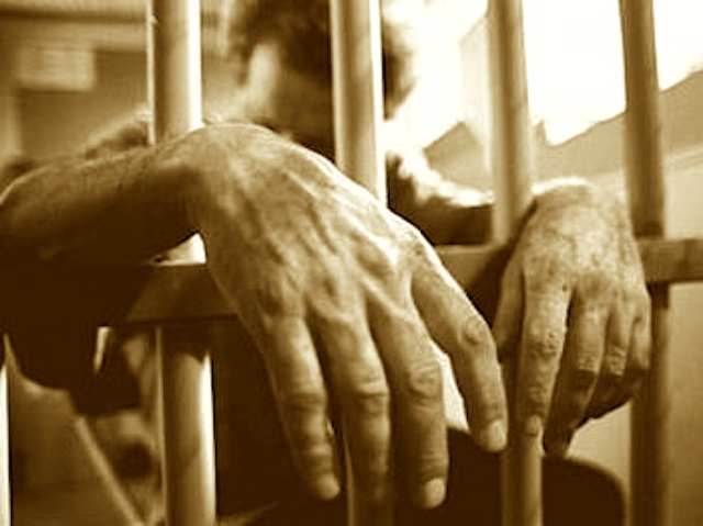 jail_hands